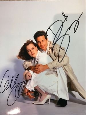 X Files Photo - Mulder and Scully - Signed