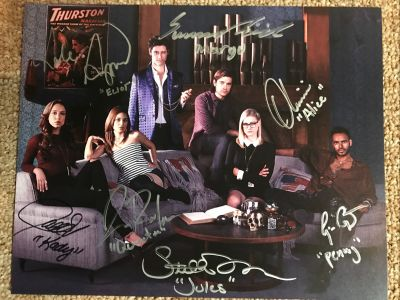 The Magicians 8x10 Cast Signed Photo - Seas...