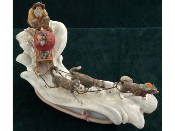 Porcelain Collector's Special: Santa in the North