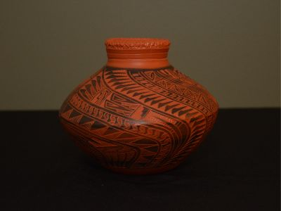 Small Navajo Carved Pot