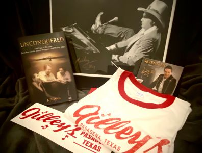 Mickey Gilley Memorabilia with 17 CD