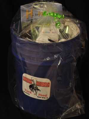 Double Diamond Tack and Feed Equine Bucket