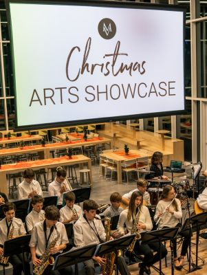Christmas Arts Showcase VIP Package (4 Tickets)