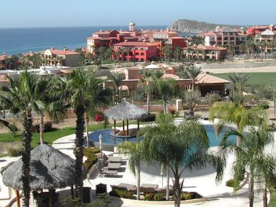 5 Nights In Ocean Front Condo in Cabo San L...
